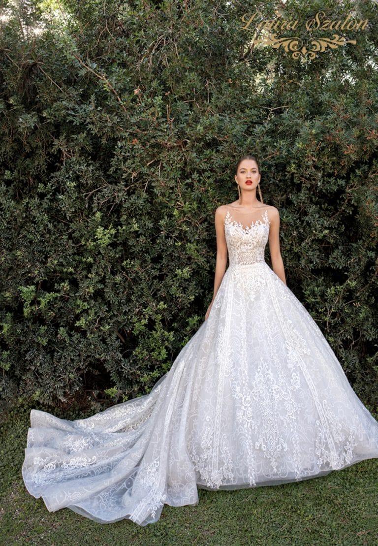 Bérelhető nagyszoknyás Demetrios menyasszonyi ruha.