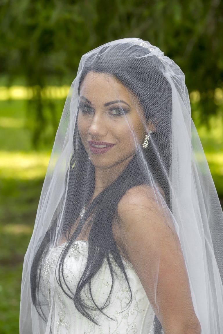 Menyasszonyunk Demetrios esküvői ruhában.