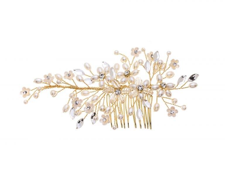 Gyöngyökkel, virágokkal díszített, aranyozott menyasszonyi fésű.