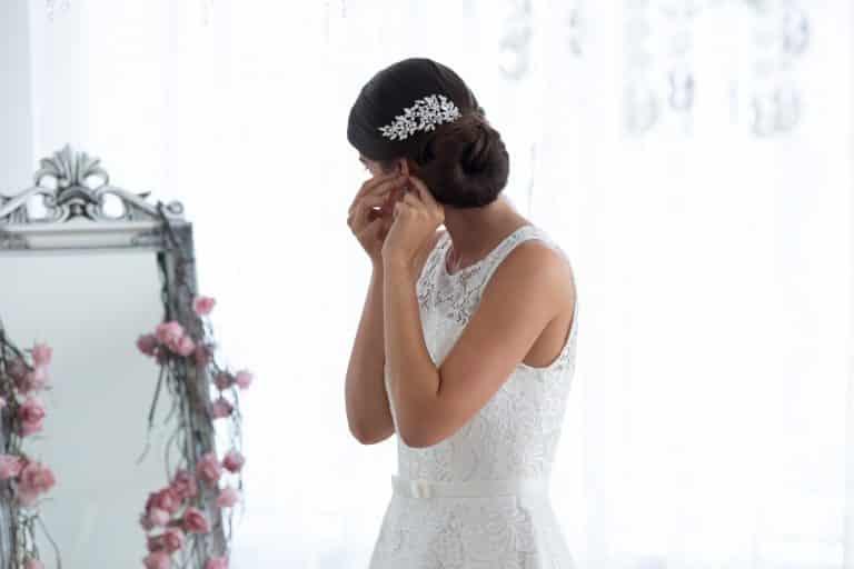 Egyedi hajdísz esküvőre.