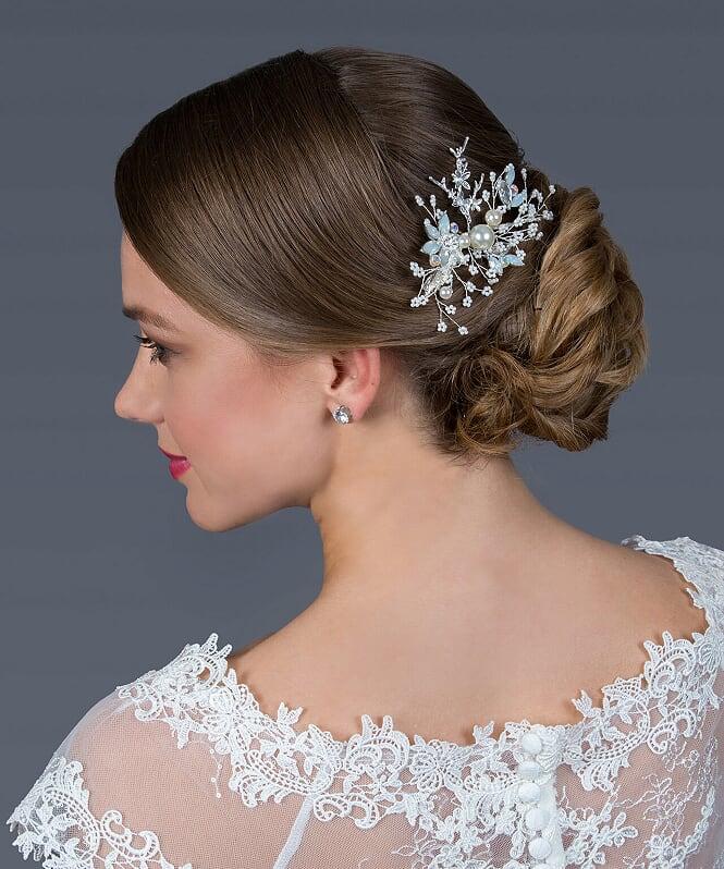 Menyasszonyi ruha kiegészítő - különleges hajdísz.