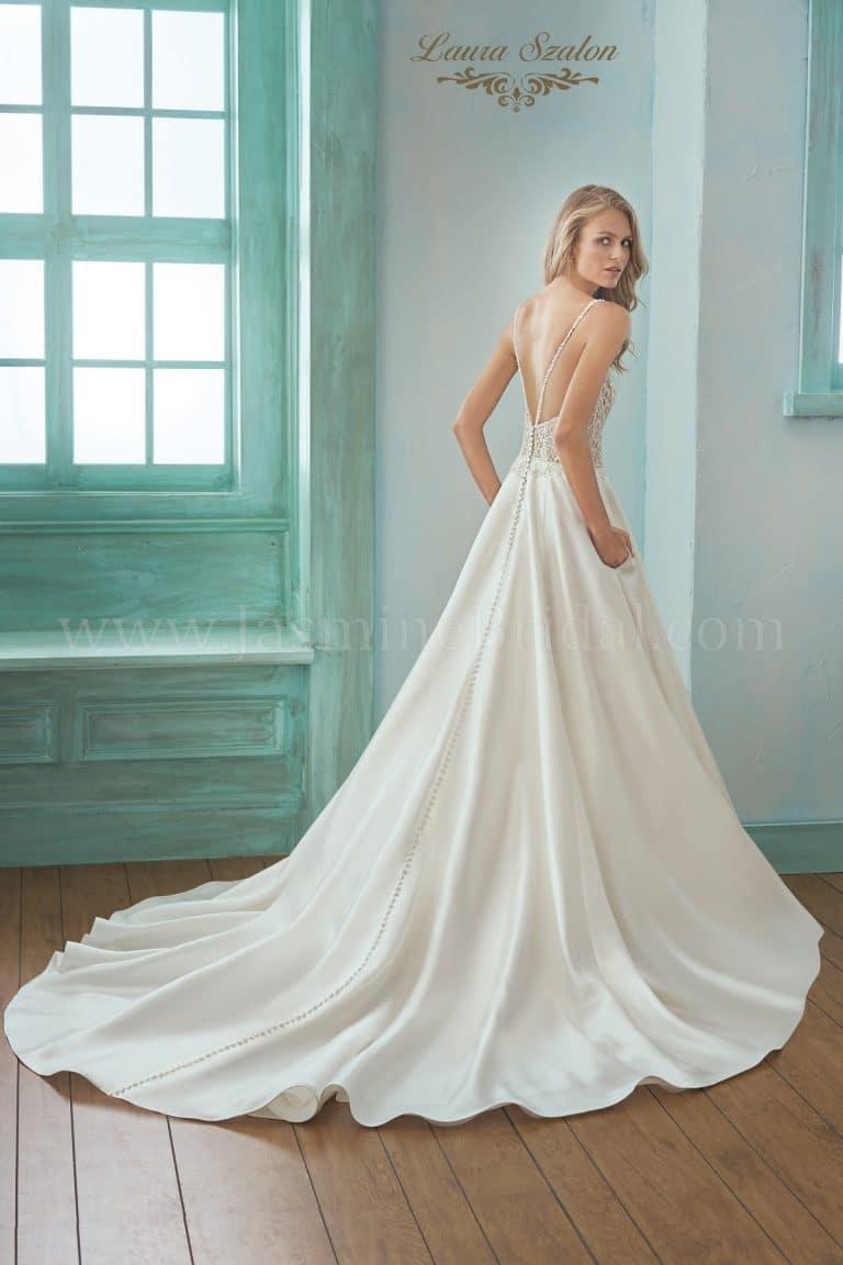 Szatén Jasmine Collection menyasszonyi ruha.