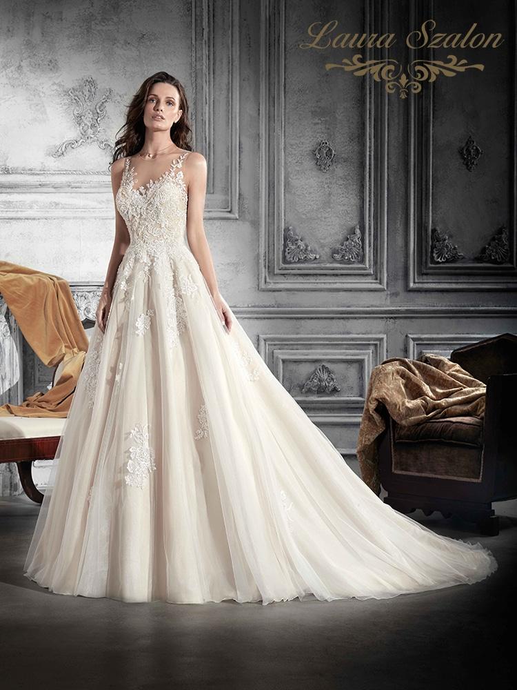 Klasszikus Demetrios esküvői ruha.