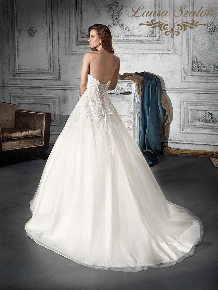 Klasszikus abroncsos Demetrios menyasszonyi ruha.