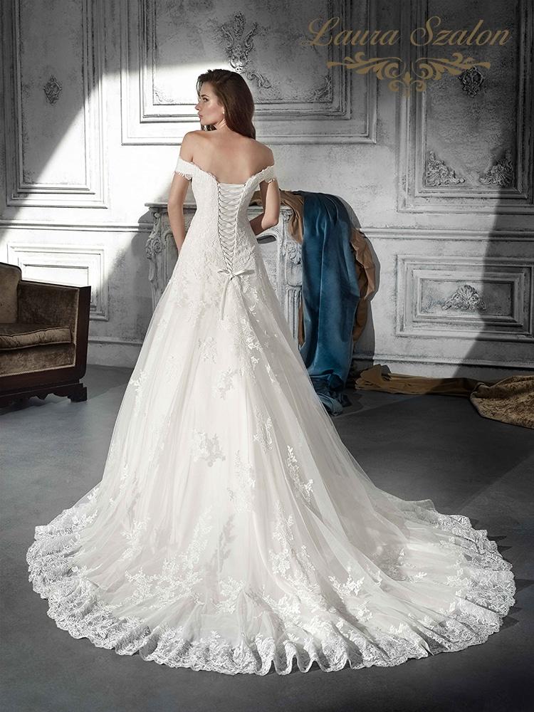 Fűzős Demetrios menyasszonyi ruha.