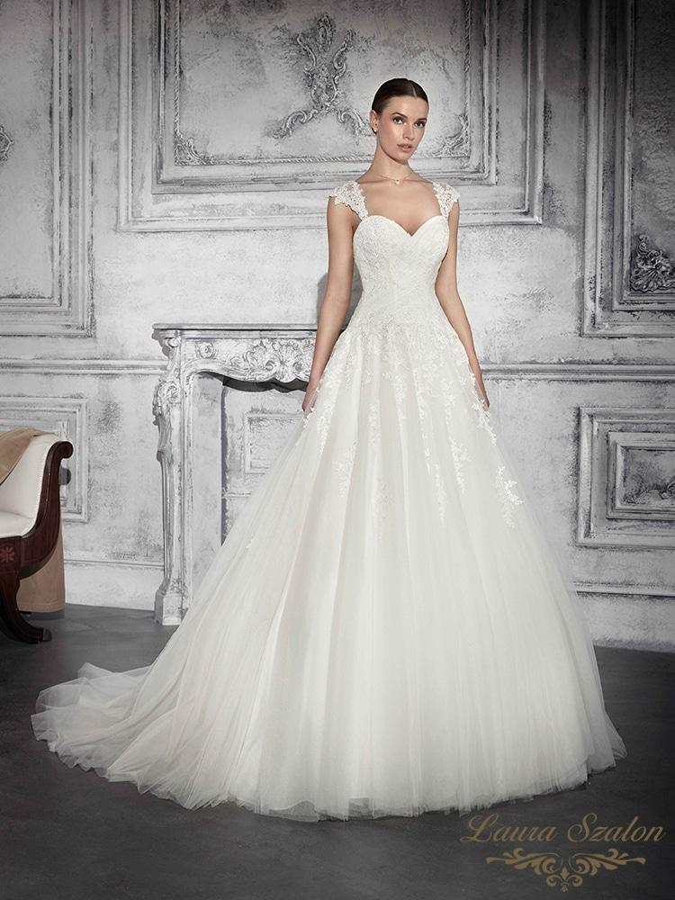 Bérelhető Demetrios menyasszonyi ruha.
