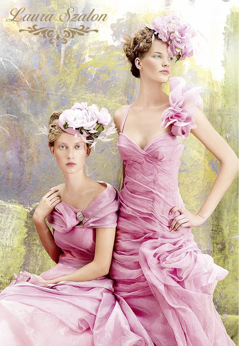 Színes, fodrokkal díszített Atelier Emé esküvői ruha.