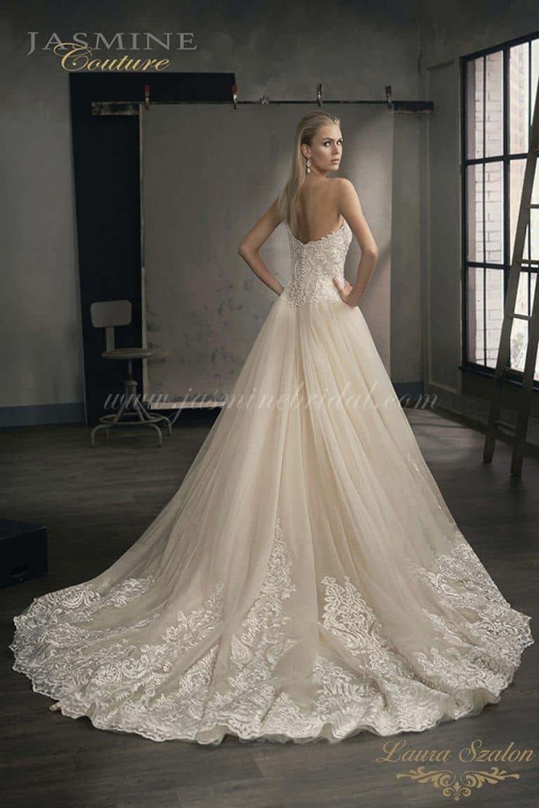 Klasszikus nagyszoknyás Jasmine Couture menyasszonyi ruha kiárusítás alatt.