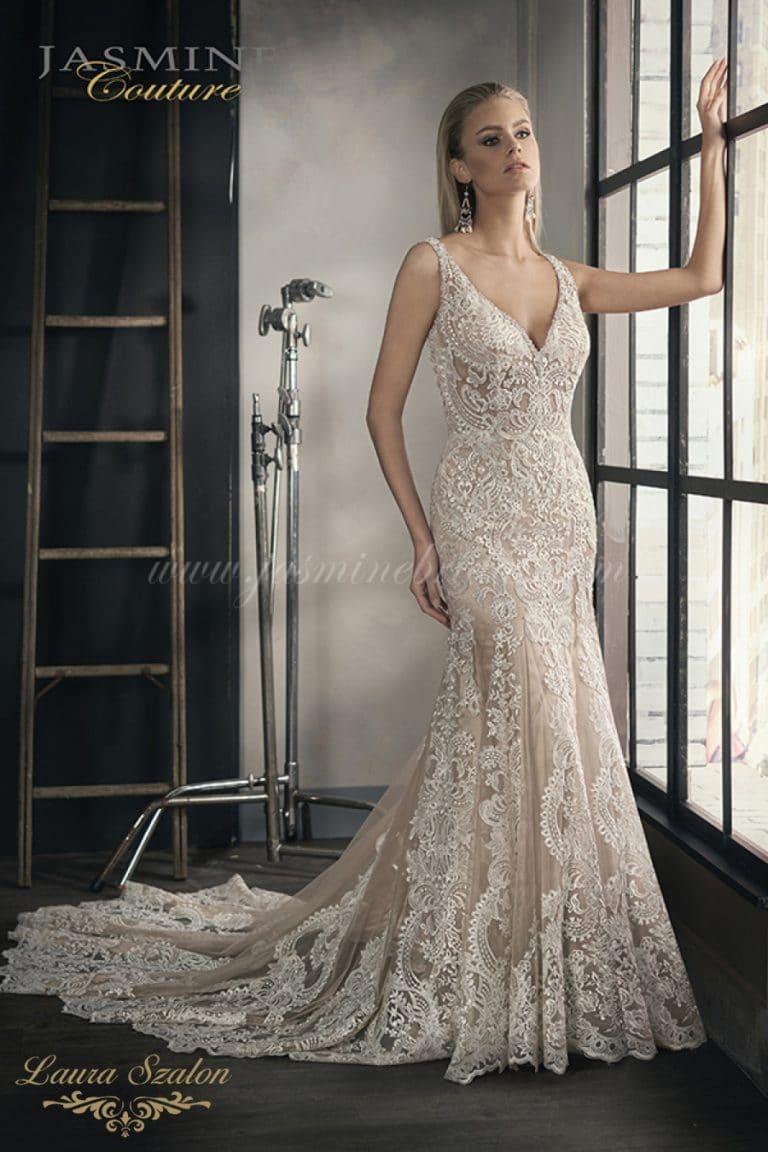 Meseszép sellő fazonú Jasmine Couture esküvői ruha.