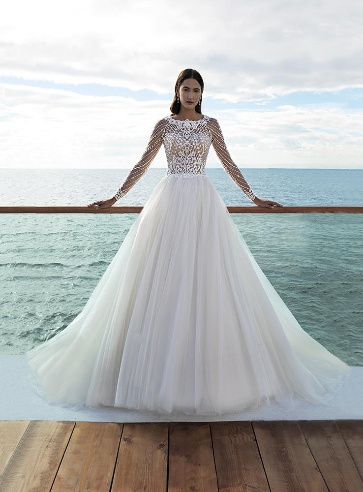 Cosmobella nagyszoknyás menyasszonyi ruha.