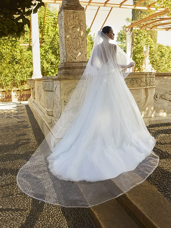 Cosmobella menyasszonyi ruha 8060