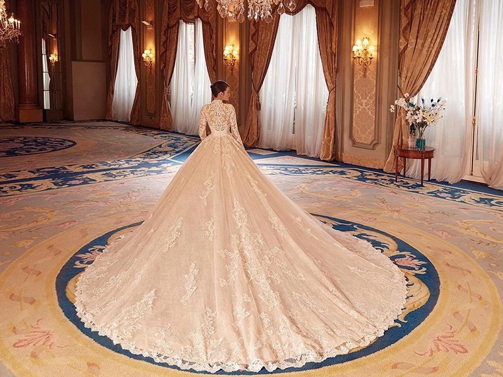 Demetrios Platinum menyasszonyi ruha DP432