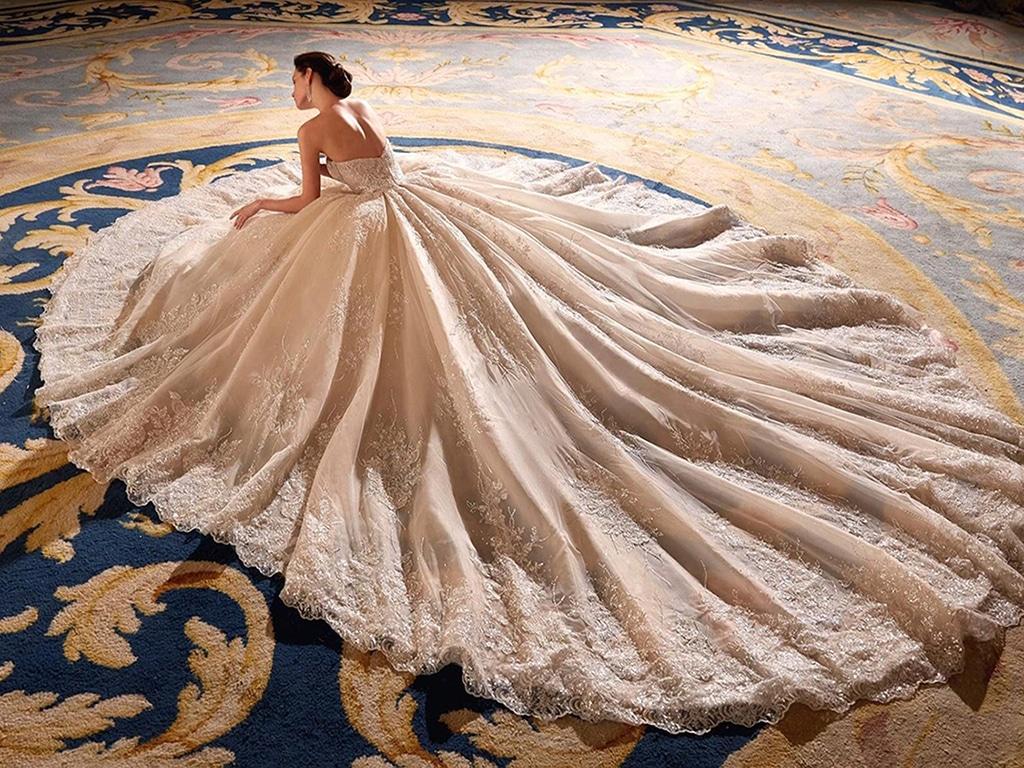 Demetrios Platinum menyasszonyi ruha DP434
