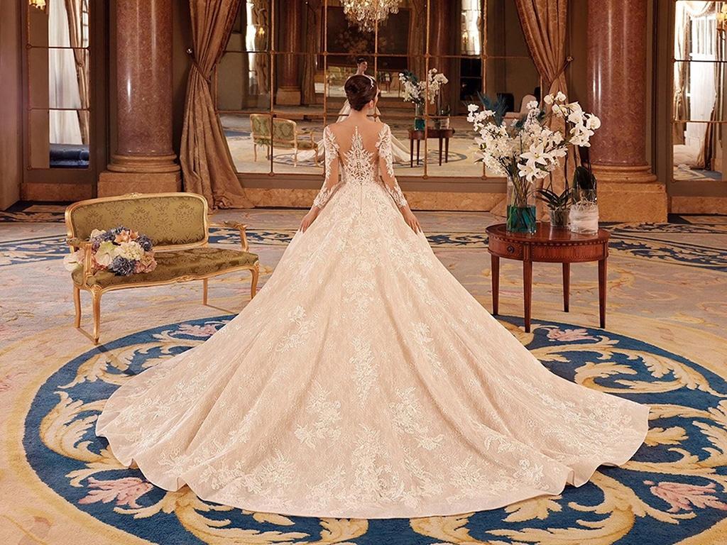 Demetrios Platinum menyasszonyi ruha DP435