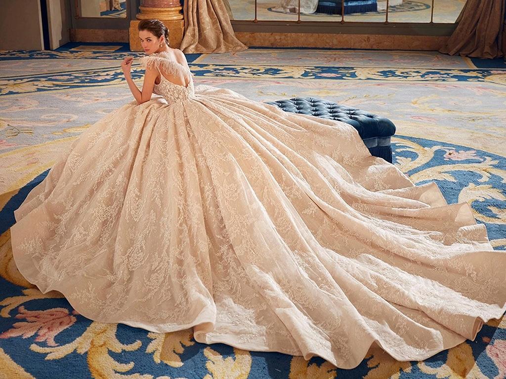 Demetrios Platinum menyasszonyi ruha DP436