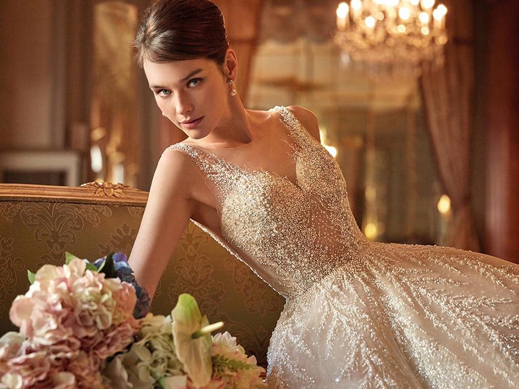 Demetrios Platinum menyasszonyi ruha DP450