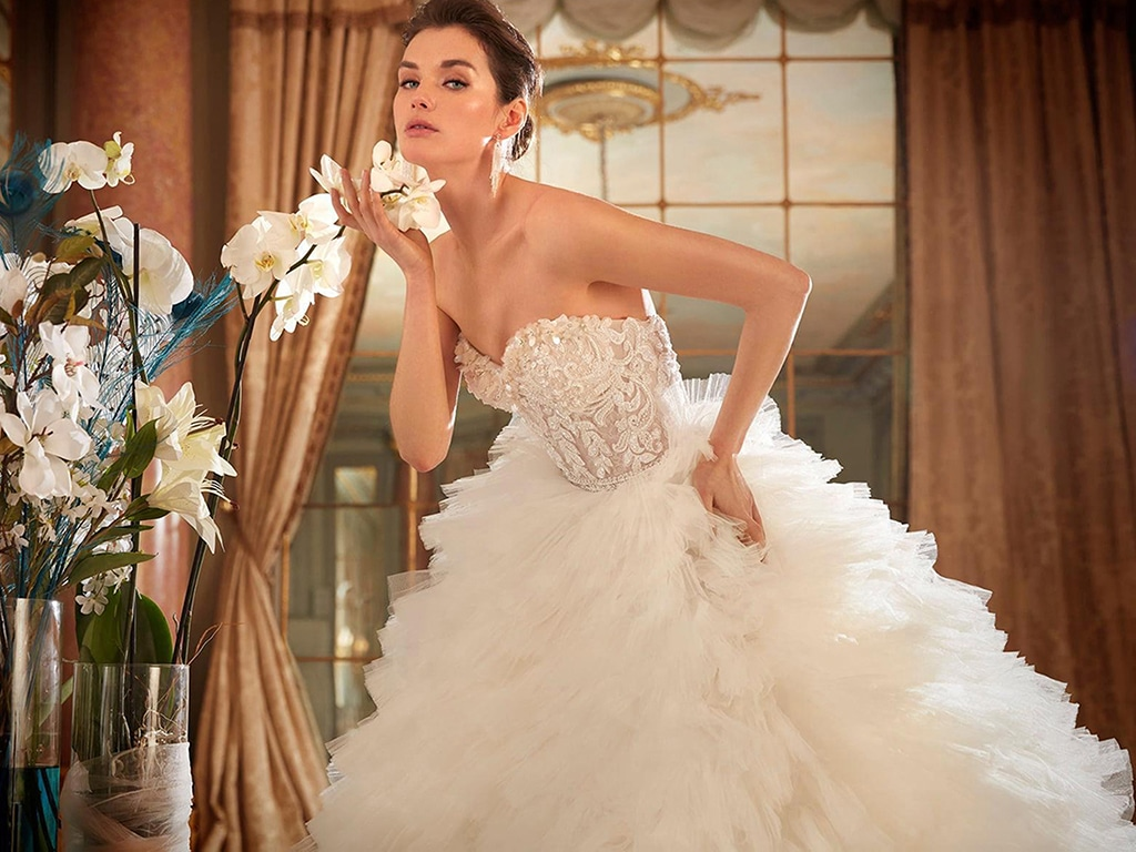 Demetrios Platinum menyasszonyi ruha DP446