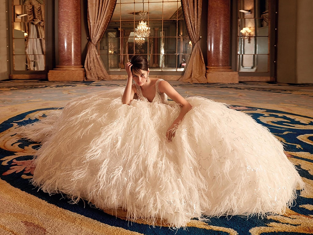 Demetrios Platinum menyasszonyi ruha DP448
