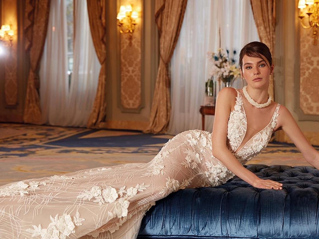 Demetrios Platinum menyasszonyi ruha DP451