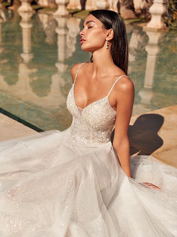 Demetrios esküvői ruha Style 1082